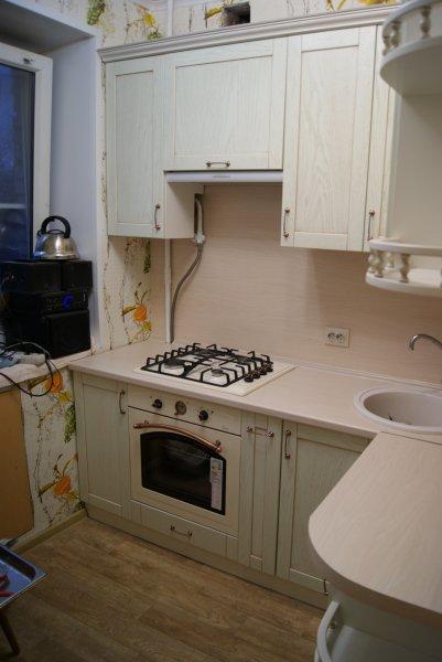 Светлая кухня в Хрущевку, мини кухня