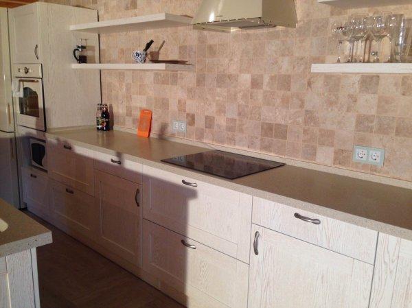 Кухня рал9010 с коричневой патиной и Новыми фасадами