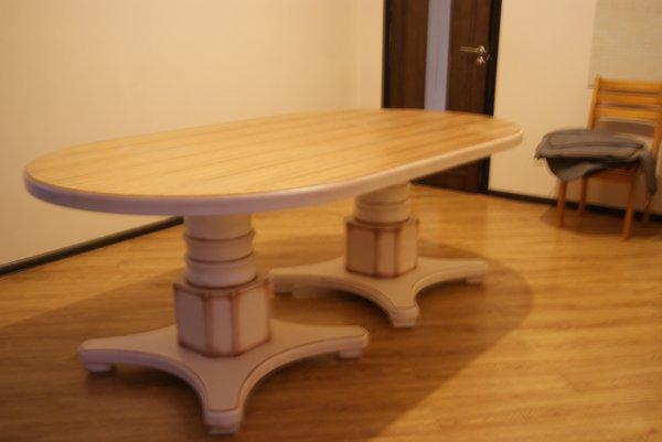 Шикарный кухонный большой стол не расскладной