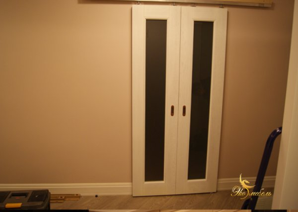 Двери раздвижные: фурнитура и монтаж заказчика