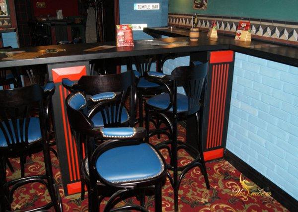 Столешница-стойка для посетителей, Массив ясеня 40 мм, черная с красным