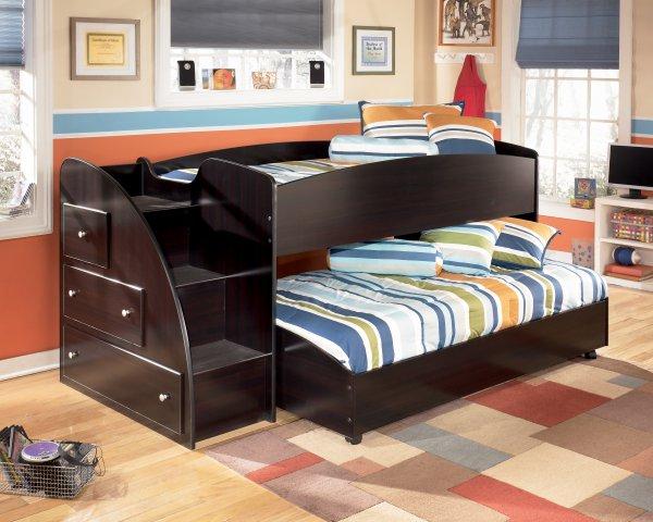 Черная 2-х ярусная кровать для маленькой комнаты