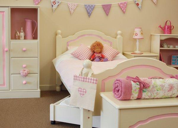 Спальня для девочки Белый МДФ+розовый декор