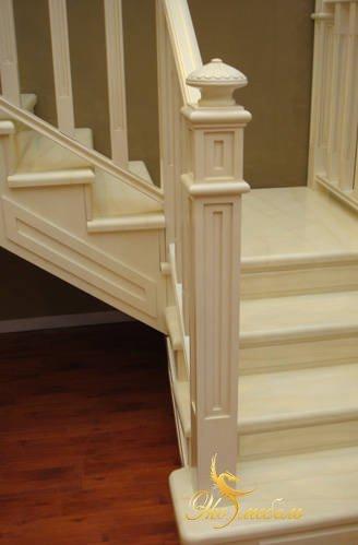 Фрагмент лестницы с многослойной болясиной