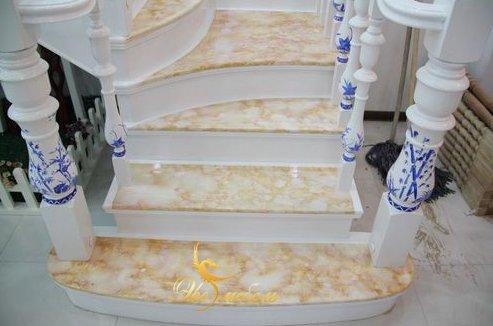 Лестница под гжель